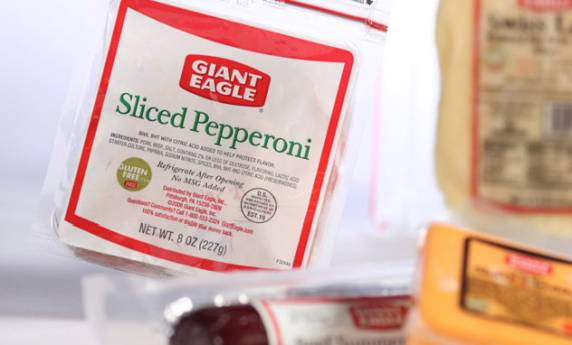 Giant Eagle Sliced Pepperoni Meat Packaging